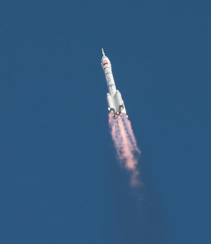 Lanzamiento Shenzhou-10