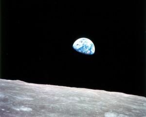 """""""Earthrise"""" (""""Amanecer terrestre"""")"""