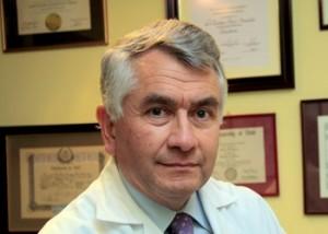 Dr. Enrique Paris