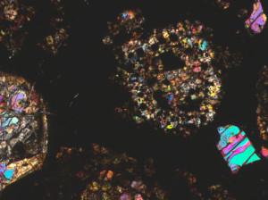 Cóndrulos de meteorito Graves Nunataks (GRA) 95229