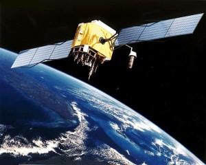 Ilustración del satlélite GPS Block II-F en órbita terrestre.
