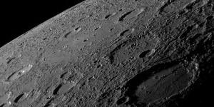 Mercurio tiene unos cambios de temperatura increíbles, desde los 480 grados centígrados hasta los -180 grados centígrados. Crédito: MESSENGER Teams, JHU APL, NASA