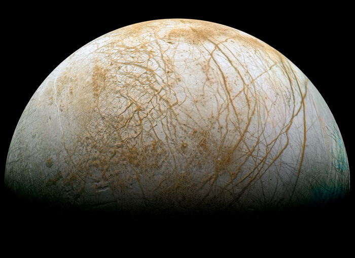 Europa. Crédito: NASA/JPL/Ted Stryk.