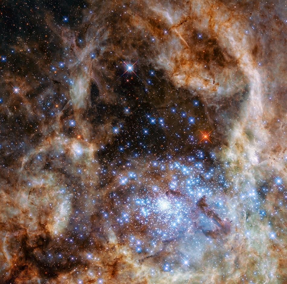 Resultado de imagen de cúmulo central R136 en 30 Doradus