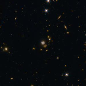 Quásar HE0435-1223, lente gravitacional
