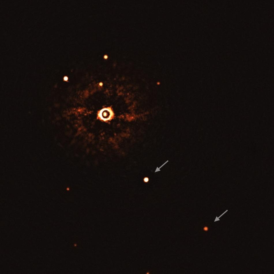 Imagen directa de planetas del sistema TYC 8998-760